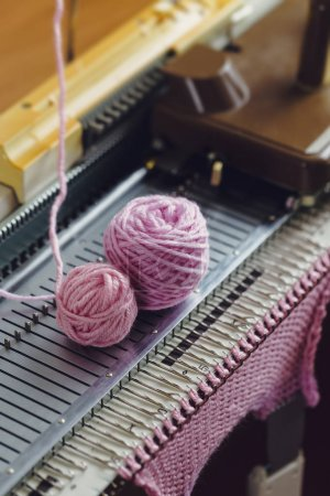 Creative Machine Knitting