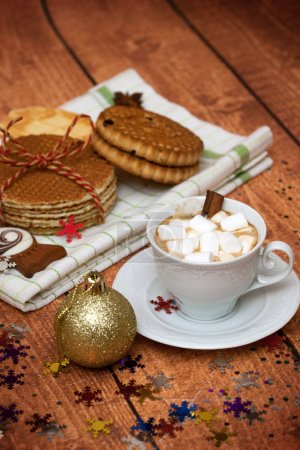 cocoa with marshmallows and Christmas cookies