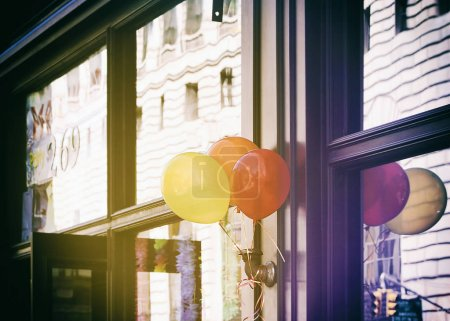 Colorful balloons in front of New York shop