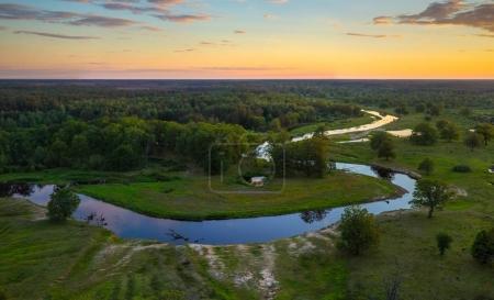 Photo pour Rivière Biélorusse Ubarc '(Ubort) Paysage - image libre de droit