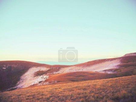 Photo pour Beau paysage de montagne rocheuse rouge - image libre de droit