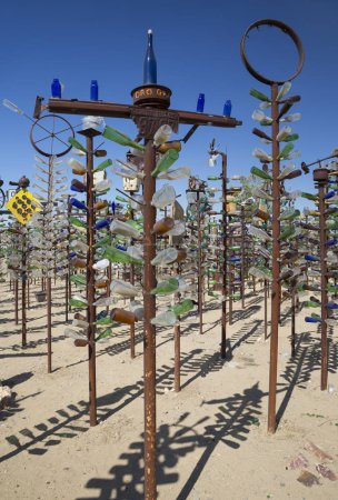 Elmer Long's Bottle Tree Ranch on the National Tra...