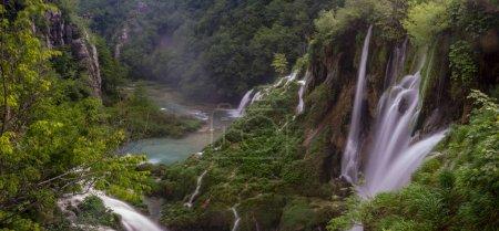 Blick auf die berühmtesten Wasserfälle in plitvice Nationalpark, cr