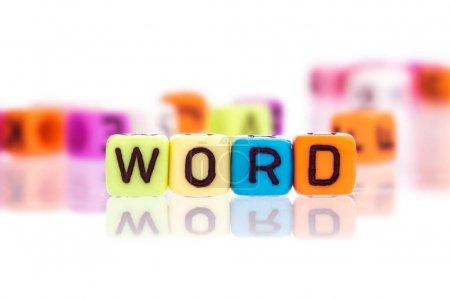 Photo pour Mot alphabet coloré cube de MOT - image libre de droit