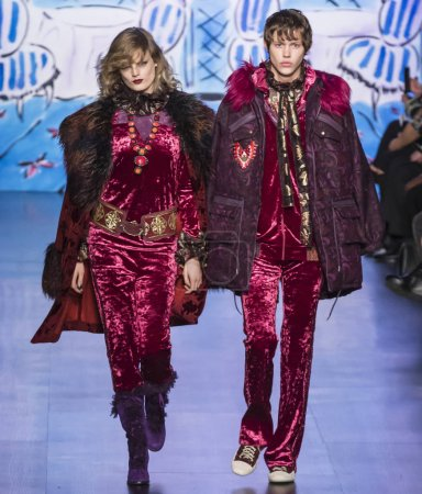 Anna Sui Fall 2017 Collection