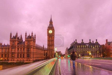 Photo pour Big Ben la nuit à Londres, Royaume-Uni - image libre de droit