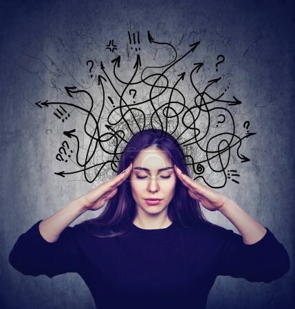 Photo pour Femme stressée a trop de pensées - image libre de droit