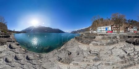 Photo pour Vue panoramique à 360 degrés du lac Brienz, Suisse - image libre de droit