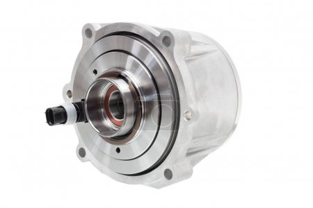 electromagnetic clutch to connect the differential