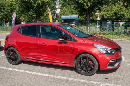 red Renault Clio RS sport