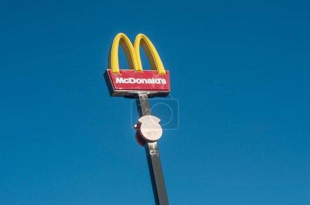 McDonalds logo on a pole