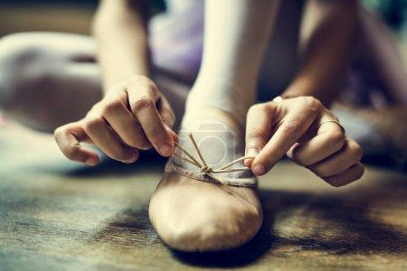 Ballerina Girl Tie Pointe shoe