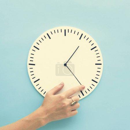 Clock Time and Puntual Circle