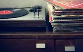 Vinyl portable player and records