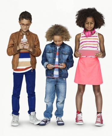 kids using digital devices