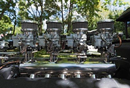 An oldtimer engine of a pontiac