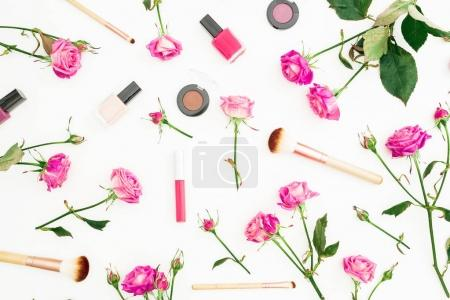 Photo for Feminine composition with pink roses and cosmetics on white background. Beauty concept with flowers. Flat lay, Top view. - Royalty Free Image