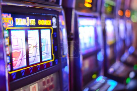 Slot machines and gambling addiction in Las Vegas