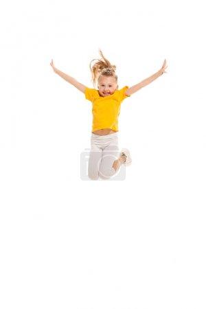 Photo pour L'école de danse enfants, ballet, hip hop, danseurs de rues, funky et modernes sur fond de studio blanc. Fille heureuse montre aérobie et élément de danse. Teen style hip-hop. - image libre de droit
