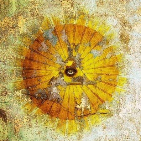 Photo pour Le œil de la providence, ruiné par le temps. - image libre de droit
