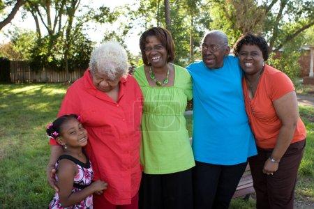 Photo pour Famille aimante. Générations de femmes afro-américaines. - image libre de droit