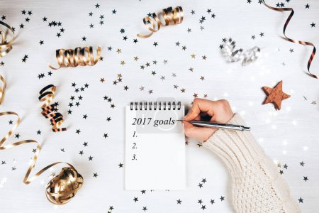 Woman filling 2017 goals