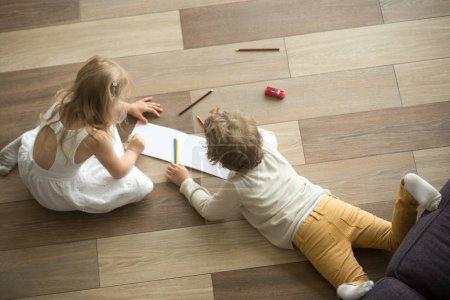 Spiel, Freizeit, Farbe, Aktivität, Spaß, Papier - B193270448