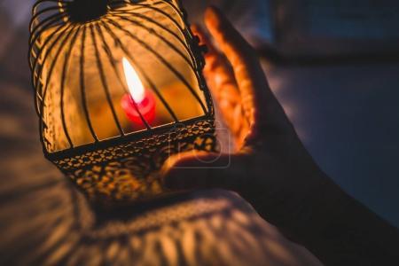 hand touch lantern