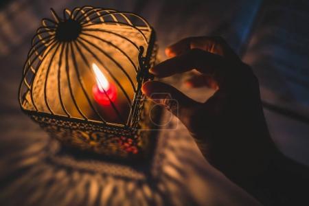 hand open lantern