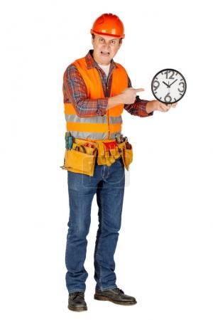 Portrait de toute la longueur d'un générateur de sexe masculin dans un casque sur w blanc