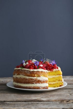 Delicious biscuit cake with berries