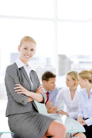 Photo pour Portrait d'une femme d'affaires d'entreprise heureuse - image libre de droit