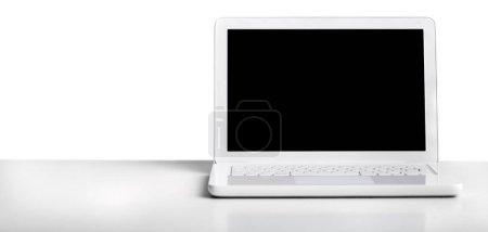Ordinateur portable avec écran vierge