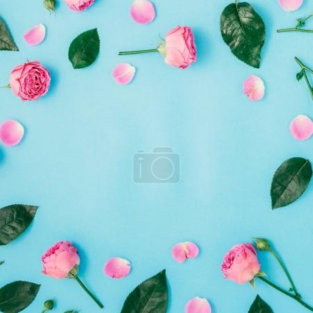Round frame made of pink roses