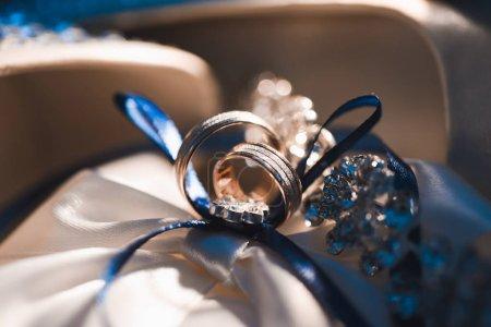wedding gold rings