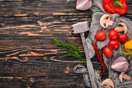 Photo pour Préparation pour la cuisson sur un fond en bois. Vue de dessus. Espace libre pour le texte . - image libre de droit