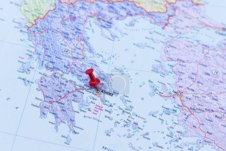 Photo pour Épinglette rouge pointant vers Athènes, Grèce - image libre de droit