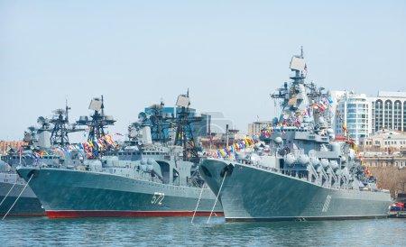 Photo pour Flotte de la marine russe du Pacifique au port militaire Vladivostok - image libre de droit