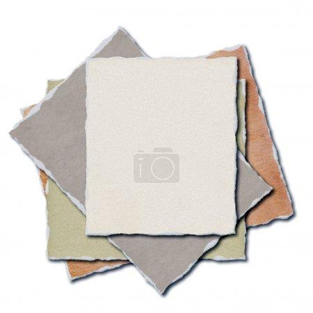 Photo pour Feuilles de papier déchiré - - Illustration 3D - image libre de droit