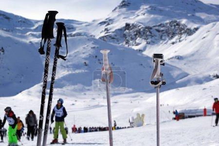 Photo pour Station de ski en français Alpes - image libre de droit
