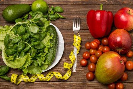 Foto de Comer sano, dieta, adelgazar y concepto de pérdida de peso. Concepto de dieta - Imagen libre de derechos