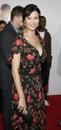 Photo for Actress Catherine Bell at the Los Angeles premiere of 'The Pursuit of Happyness' held at the Mann Village Theater in Westwood, USA on December 7, 2006. - Royalty Free Image