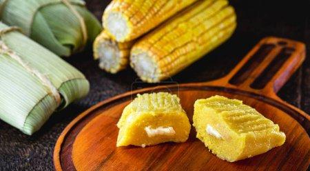 Le pamonha est une spécialité brésilienne, commune dans les États du Nord-Est et aussi à Gois, Mato Grosso, Minas Gerais, Paran, Sao Paulo et Tocantins. Aneth sucré au fromage .