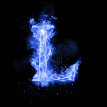 Photo pour Lettre de feu L de flamme bleue brûlante. Polices de caractères flamboyantes ou alphabet feu de joie avec fumée grésille et effet de chaleur flamboyant ou flamboyant. Incandescent feu froid lueur sur fond noir - image libre de droit