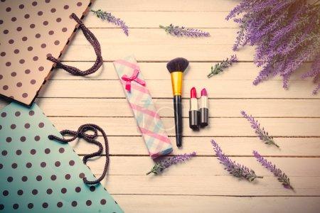 shopping bags and makeup set