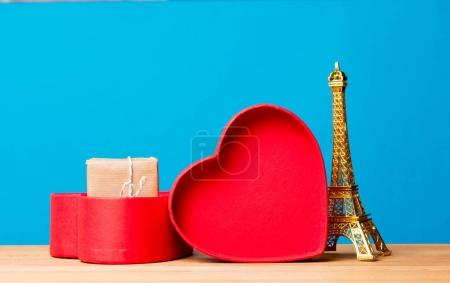 red heart boxes