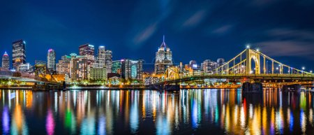 Pittsburgh downtown skyline panorama