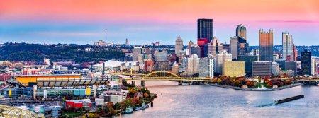 Pittsburgh, Pennsylvania skyline at sunset