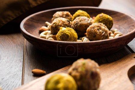 Dates oatmeal balls / No cook energy bites / saffron, pistachio, gum, cashew and other dry fruit laddu including dink or dinkache ladoo or edible gum ladu