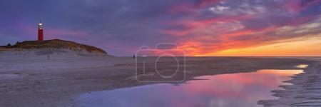 Маяк на острове Тексел в Нидерландах на закате